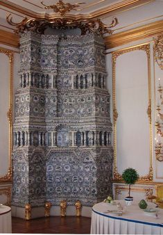 18th century tiled stove  Kavaler dining room of the Catherine Palace, Russia
