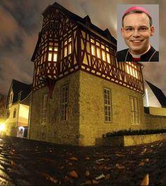 Papa Francisco retira de su diócesis a obispo alemán que gastó 42 millones de dólares en su residencia.