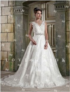 Glorious Ball Gown Straps Chapel Train Lace Wedding Dresses, so elegant and so graceful, which will definitely makes you more eyecatching. Now it is 30% off,  only $105.12.