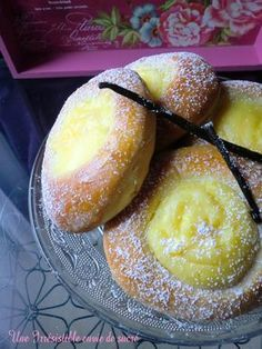 Briochettes à la vanille Cooking Chef, Cooking Recipes, Levain Bakery, Homemade Pastries, Bread And Pastries, I Love Food, Sweet Recipes, Donuts, Sweet Tooth