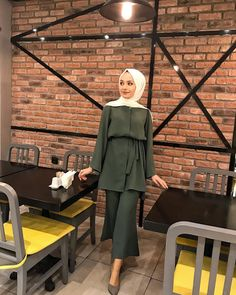 Week End Hijab Fashion Cute – Female Devotee Modest Fashion Hijab, Muslim Fashion, New Fashion, Fashion Outfits, Simple Hijab, Hijab Fashionista, Islamic Clothing, Muslim Girls, Mode Hijab