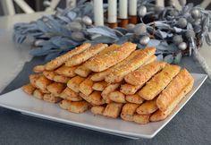 Saratele cu branza Hot Dog Buns, Hot Dogs, Salty Foods, Dessert Recipes, Desserts, Bread, Ethnic Recipes, Easy, Romania