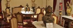 El Museo Casa de la Zacatecana es un museo en Querétaro que exhibiendo el arte y la tradición queretana. Obtuvo su nombre de una tétrica o sea triste leyenda: la Zacatecana, dueña de la casa, mandó a matar a su marido para luego matar también al asesino que había contratado.  Poco tiempo después, la Zacatecana amaneció asesinada. Nadie supo jamás quién fue el autor de la venganza.