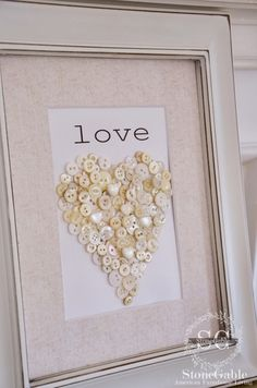 VALENTINE BUTTON HEART DIY.  Tutorial & graphic at: http://www.stonegableblog.com/valentine-button-heart-diy/