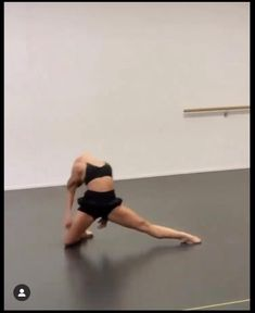 Ballet Dance Videos, Dance Tips, Dance Choreography Videos, Dance Poses, Gymnastics Videos, Gymnastics Workout, Jazz Dance, Lyrical Dance, Contemporary Dance Moves