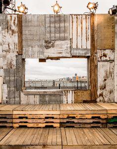 Givenchy set design NY SS2016 - window