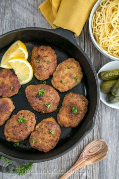 """Chicken and Beef Croquettes (Pozharsky Kotleti) - """"These chicken and beef croquettes are soft, juicy and super flavorful. A famous Russian kotleti recipe! Beef Croquettes Recipe, Chicken Croquettes, Klondike Bar, Ukrainian Recipes, Russian Recipes, Ukrainian Food, Meat Recipes, Cooking Recipes, Healthy Recipes"""