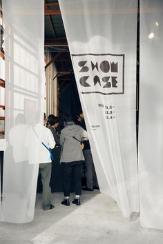 SHOWCASE  pop up exhibition by Japanese studio method inc