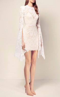 This elegantly designed **Alex Perry** dress features a stunning lace fabric…