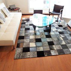 Tapete cuero Siberia by Tapetes Fibra Interior And Exterior, Interior Design, Cow Skin, Rugs On Carpet, Carpets, Carpet Design, Modern Rugs, Creative, Leather
