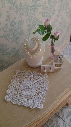 Micro crochet. YLI 100 silk by Ann Giling