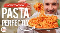 10 Mistakes People Make COOKING PASTA at Home - YouTube Potatoes In Oven, Oven Roasted Potatoes, Porchetta Recipes, Roasted Potato Recipes, Yum Yum Chicken, How To Cook Pasta, Us Foods, Tray Bakes, My Favorite Food