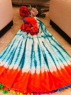 New Arrival Cotton Saree Shibori Print Saree soft mulmal cotton Saree with pompom and blouse Lace Saree, Cotton Saree, Sari, Designer Sarees Wedding, Saree Wedding, Stylish Dress Designs, Stylish Dresses, Fashion Dresses, Shibori Sarees