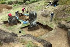 Excavations on the Easter Island head. Photo: courtesy the Easter Island Statue Project. Ancient Ruins, In Ancient Times, Ancient History, Easter Island Statues, Polynesian People, Wood Projects For Beginners, Ends Of The Earth, Stonehenge, Art World