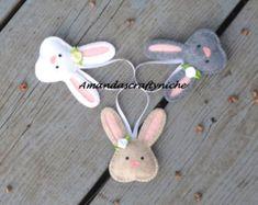 Lindo conejito con zanahoria Pascua ornamento por MyMagicFelt