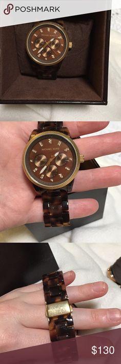 Michael Kors MK5038 Michael Kors MK5038. Tortoise watch band. Brand new battery. Gold front detail. Michael Kors Accessories Watches
