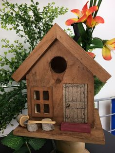 Get away cabin for the birds.
