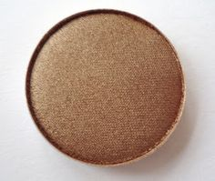 MAC woodwinked - my favorite eyeshadow of the moment