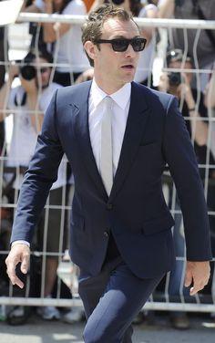 estilo-jude-law-moda-dandy-ingles-hollywood-ator-famoso-elegancia-sofisticação-mercado-luxo-alexandre-taleb (10)