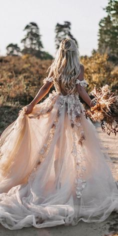 Country Style Wedding Dresses, Dream Wedding Dresses, Boho Wedding, Bridal Dresses, Wedding Bride, Wedding Ideas, Weeding Dresses, Lace Bride, Ivory Wedding
