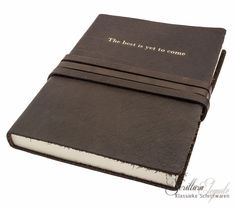 """Manufactus """"The Best is yet to come"""" leren notitieboek The Best Is Yet To Come, Leather Journal, A5, Card Case, Journals, Card Holder, Magazines, Rolodex, Journal Art"""