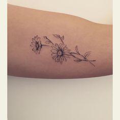 """""""And the first … ❤️✨"""" – Tattoo Ideas – – floral tattoo sleeve Small Daisy Tattoo, Name Flower Tattoo, Daisy Flower Tattoos, Flower Tattoo Shoulder, Flower Tattoo Designs, Gerbera Daisy Tattoo, Aster Tattoo, Flor Tattoo, Sternum Tattoo"""