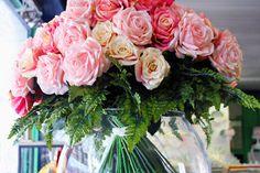 #Bouquet di #rose in vaso di vetro.