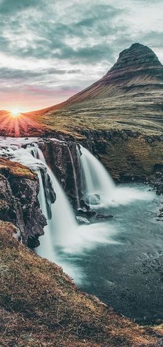 Iceland Waterfalls: The 15 Best Waterfalls in Iceland - landscape photography guide and tips - Photography Beach, Landscape Photography Tips, Landscape Photos, Abstract Landscape, Landscape Paintings, Nature Photography, Travel Photography, Acrylic Paintings, Landscape Edging