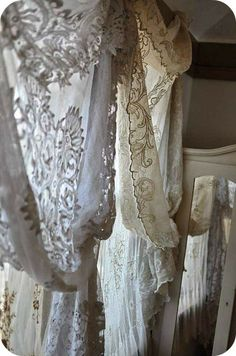 Beautiful lace curtains by ZsaZsa Bellagio: French, Shabby Home Inspiration