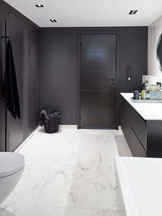 Svart-hvitt bad - Lilly is Love Modern Bathroom Design, Bathroom Interior Design, Bathroom Inspo, Bathroom Inspiration, Dream Bathrooms, House Plans, Home Decor, Quartos, Tiny Houses