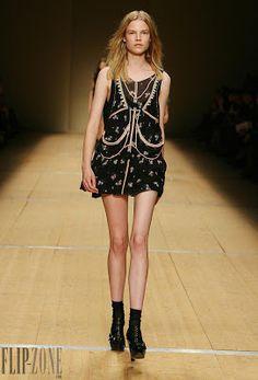 Avis de recherche mode: Isabel Marant - Robe, top, jupe ... imprimé noir
