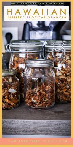 This is a healthy and delicious hawaiian inspired tropical Granola recipe with puffed spelt, puffed quinoa, rolled oats, macadamia nuts, coconut and dried pineapple and papaya. Only naturally sweetened and vegan! A Food, Good Food, Yummy Food, Delicious Recipes, Puffed Quinoa, Recipe Maker, Dried Pineapple, Whole Grain Flour, Brunch Recipes