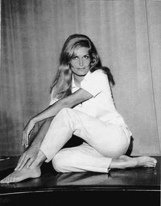 Yolanda Gigliotti - Dalida: A life in pictures💕: Photo Dalida, Famous French, Famous Singers, I Icon, Top Photo, Audrey Hepburn, Scene, Album, Black And White