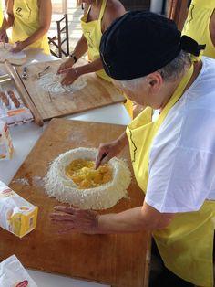 facciamo la #foglia #pastafattaincasa #homemadepasta #bakingingredients #italianfood #italianrecipes #pasta