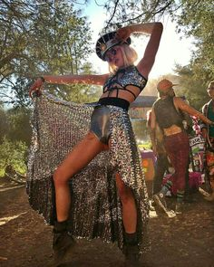 intensely silver sparkling outfit at a summer music festival. this is boho couture and festival fashion from head to toe, but I gotta pin that outstanding metallic SKIRT for later.