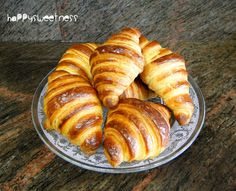 Discover recipes, home ideas, style inspiration and other ideas to try. Croissant Nutella, Vegan Croissant, Easy Croissant Recipe, Ham And Cheese Croissant, Irish Recipes, Greek Recipes, Cuban Recipes, Italian Recipes, Homemade Croissants