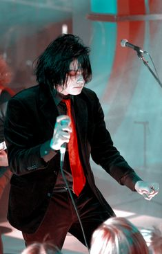 Gerard Way Danger Days, My Chemical Romance Poster, Gerald Way, Emo Pictures, Mindless Self Indulgence, Rawr Xd, Band Memes, Emo Boys, Fall Out Boy