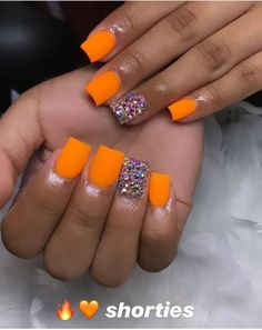 28 Beautiful Orange Nail Designs Perfect For Fall - The Glossychic : 28 Beautiful Orange Nail Designs Perfect For Fall 28 beautiful orange nail design ideas perfect for fall Short Square Acrylic Nails, Orange Acrylic Nails, Bling Acrylic Nails, Simple Acrylic Nails, Best Acrylic Nails, Square Nails, Bright Orange Nails, Orange Nail Designs, Cute Acrylic Nail Designs