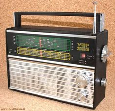 Retro Radios, Cuba, Antique Radio, Transistor Radio, Tape Recorder, My Childhood Memories, Audiophile, Old Pictures, Jukebox