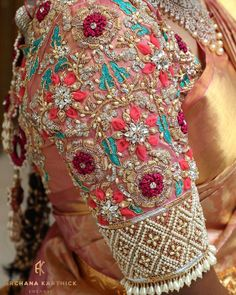 Kids Blouse Designs, Hand Work Blouse Design, Saree Blouse Neck Designs, Stylish Blouse Design, Bridal Blouse Designs, Hand Designs, Blouse Patterns, Kurti Embroidery Design, Embroidery Blouses
