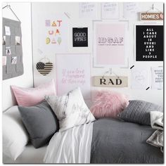 52 Amazing Vintage Bedroom Ideas Decorating #vintagebedroomideas #bedromdecoratingideas #amazingbedroomideas | gratitude41117.com