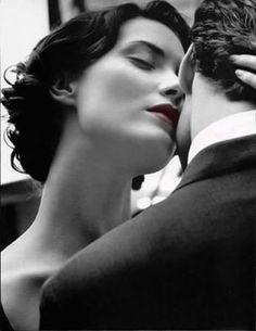 É pena que esse amor não pode ser Viver meus sonhos louco de prazer Fazer o meu amor te convencer Que o melhor de mim é pra ti...... Só tu, só tu.. Eu faço amor em pensamentos, contigo Só contigo, só tu... Eu quero tudo em minha vida, contigo ,só contigo!!!! Este é o meu grito de AMOR!
