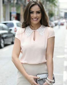 Blusa rosa blusas fashion outfits, blouse designs e fashion. Mode Outfits, Fashion Outfits, Womens Fashion, Blouse Styles, Blouse Designs, Look Office, Office Style, Look Fashion, Work Wear