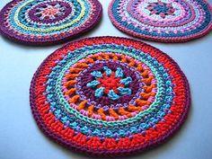 Mandala Wheel Crochet Pattern by Attic 24 Crochet Diy, Crochet Round, Crochet Home, Crochet Crafts, Crochet Doilies, Crochet Projects, Crochet Mandala Pattern, Crochet Patterns, Crochet Mandela