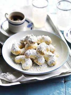 Greek Easter/Christmas biscuits - Kourabiedes