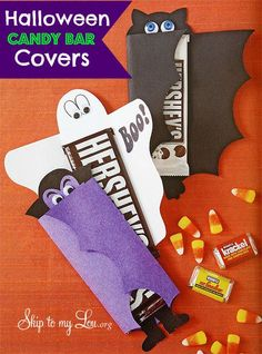 Halloween candy bar covers- an easy Halloween treat for a party, favor, or gift idea #halloween  www.skiptomylou.org