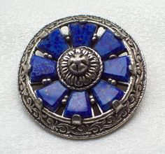 VINTAGE JEWELLERY SCOTTISH CELTIC SILVER FAUX AGATE/LAPIS BROOCH/PIN MIRACLE. SOLD.