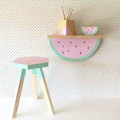 Naast watermeloen prints hebben we nu ook watermeloen meubels, WOW! Via The Discovery Tales.