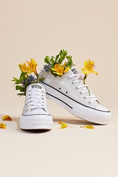 Sneakers Fashion, Fashion Shoes, Mens Fashion, Festival Must Haves, Le Tennis, Shoe Sites, Best Wear, Mellow Yellow, Men's Shoes