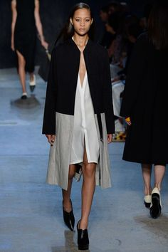Narciso Rodriguez Spring 2017 Ready-to-Wear Fashion Show